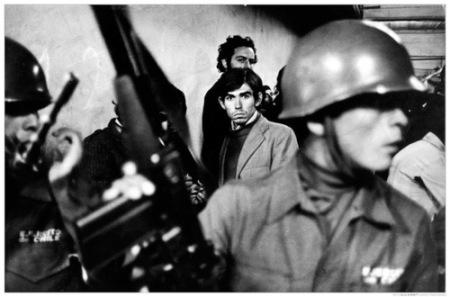 لحظاتی قبل از اعدام در زیرزمینهای خونین استادیوم سانتیاگو